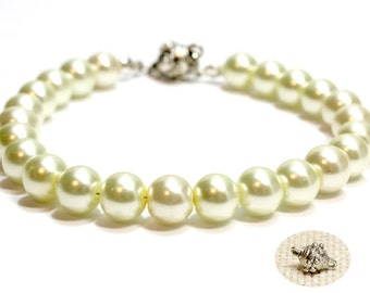 Ivory Pearl Dog Collar with Break Away Clasp. Pearl Cat Collar with Magnetic Clasp. Collar for Dog with Safety Clasp. Small Dog Pearl Collar