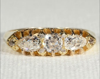 Antique 3 Stone Diamond Ring in 18k Gold, Lovely Diamonds