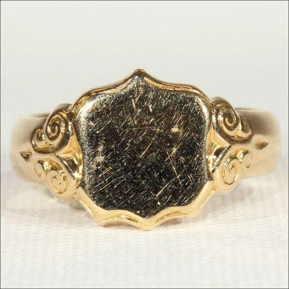 Antique 18k Gold Men's Sheild Ring, Hallmarked 191