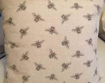 Bee cushion cover