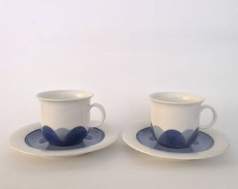 A Set of 2 Arabia Finland Pudas Arctica Coffee Cups Designed by Inkeri Leivo
