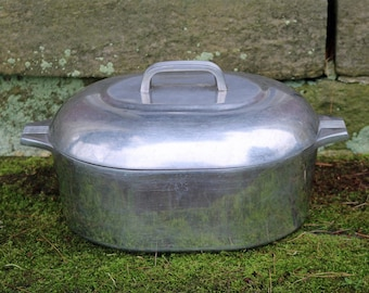 3 Piece 8 Qt Oval Magnalite Aluminum Roaster With Lid And Rack Trivet Quart 75 Liter Dutch Oven 1950s Wagner Ware