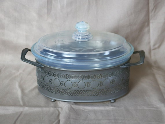 Lid and Carrier ~ Fry Glass ~ 1921-1931 ~ Pearl ~ Clam Broth ~ Pyrex 1 Qt ~ Casserole ~ Fry Glass ~ Oval ~ CutEtched Lid ~ Opalescent