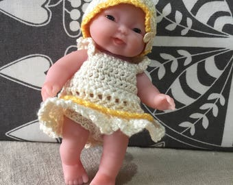 """yellow and creme outfit for a 5""""doll"""