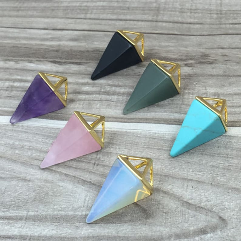 SD8F5/_01 Opalite Point Necklace Amethyst Triangle Necklace Pyramid Pendant Quartz Crystal Layering Healing Crystal Yoga Pendant
