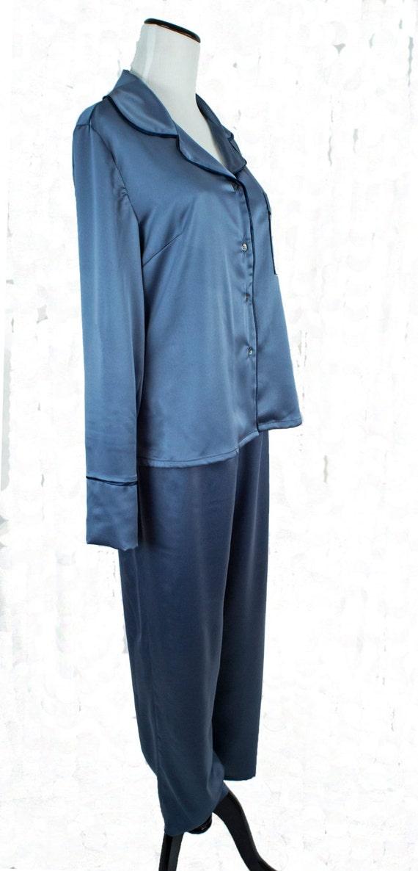 d107e874e6 Ladies Satin Pajamas Two-piece Set w  Long Pants   Shirt