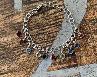 Birthstone Charm Bracelet Grandma Bracelet Grandchild Bracelet Handstamped Jewelry Mom Charm Bracelet Grandma Gift Mothers