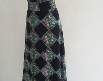 vintage 70s halter neck dress