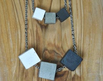 Collar de hormigón de tres cubos   Collar moderno de hormigón   joyería de hormigón   colgante de cemento   colgante geométrico