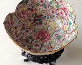 Antique 19th Century Chinese Export Porcelain with quot Mille Fleur quot Decoration Gold Gilt Display Bowl