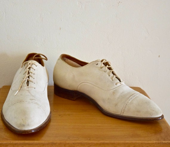 1930s White Buckskin Spades Shoes  Size 11