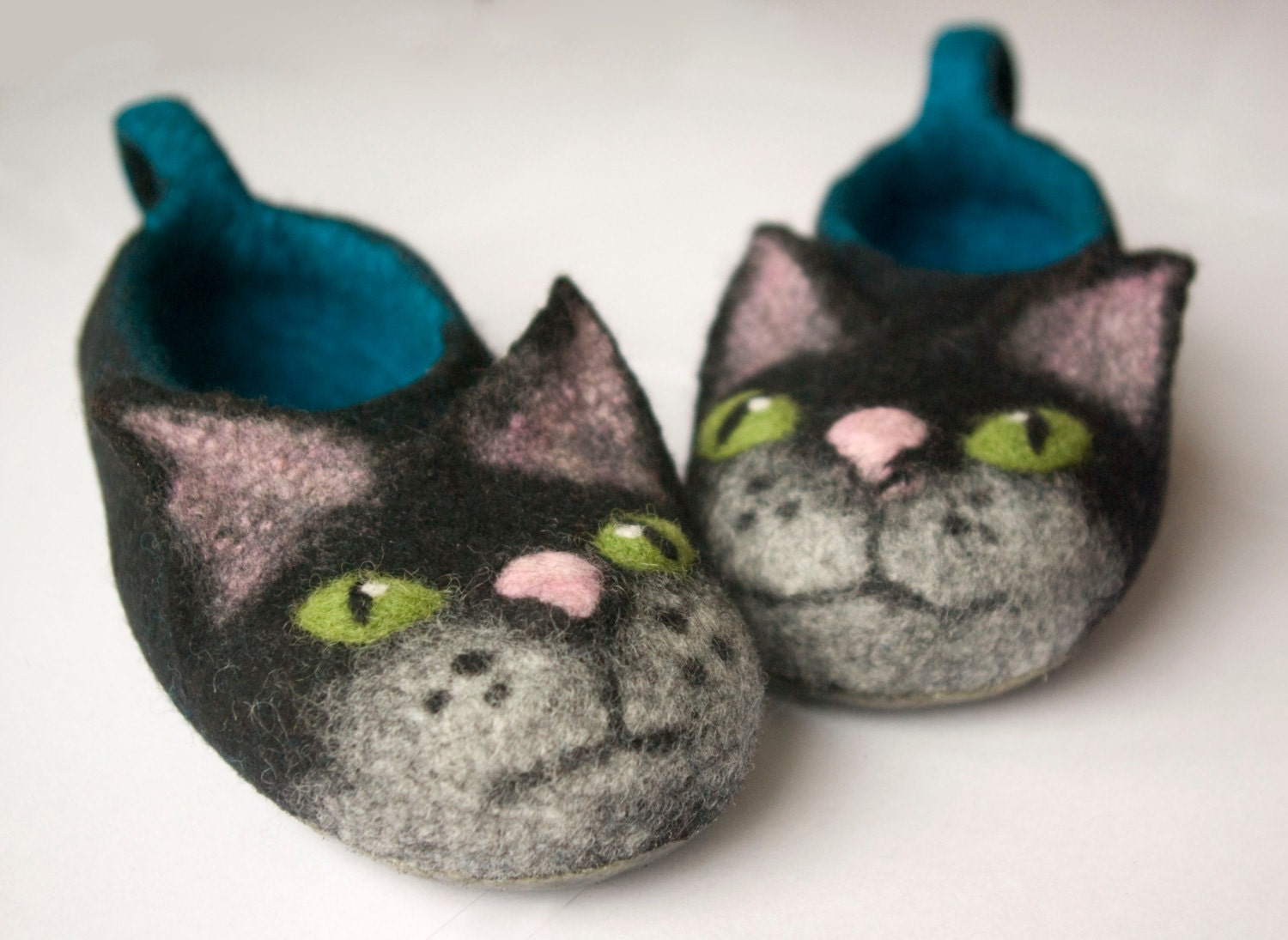 5bf5f089019 Felted black cat slippers children size made to ORDER