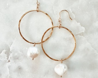 Hanging Pearl Hoop Earrings made with Freshwater Pearl and 14/20 Gold Fill