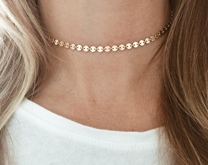 Featured listing image: Gold Circle Choker in 14/20 Gold-Fill