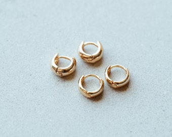 Huggie Hoop Earrings in 14/20 Gold Fill