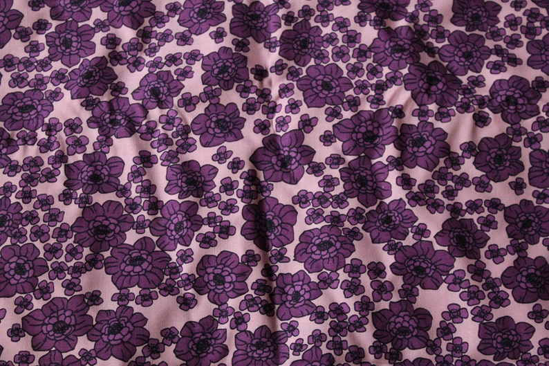 Vintage Fabric Fantastic Pattern Original Old Stock 60s 70s Psychedelic Flower Power LILAC VIOLET Bloom Space Age Fashion Pop Vintage Sewing