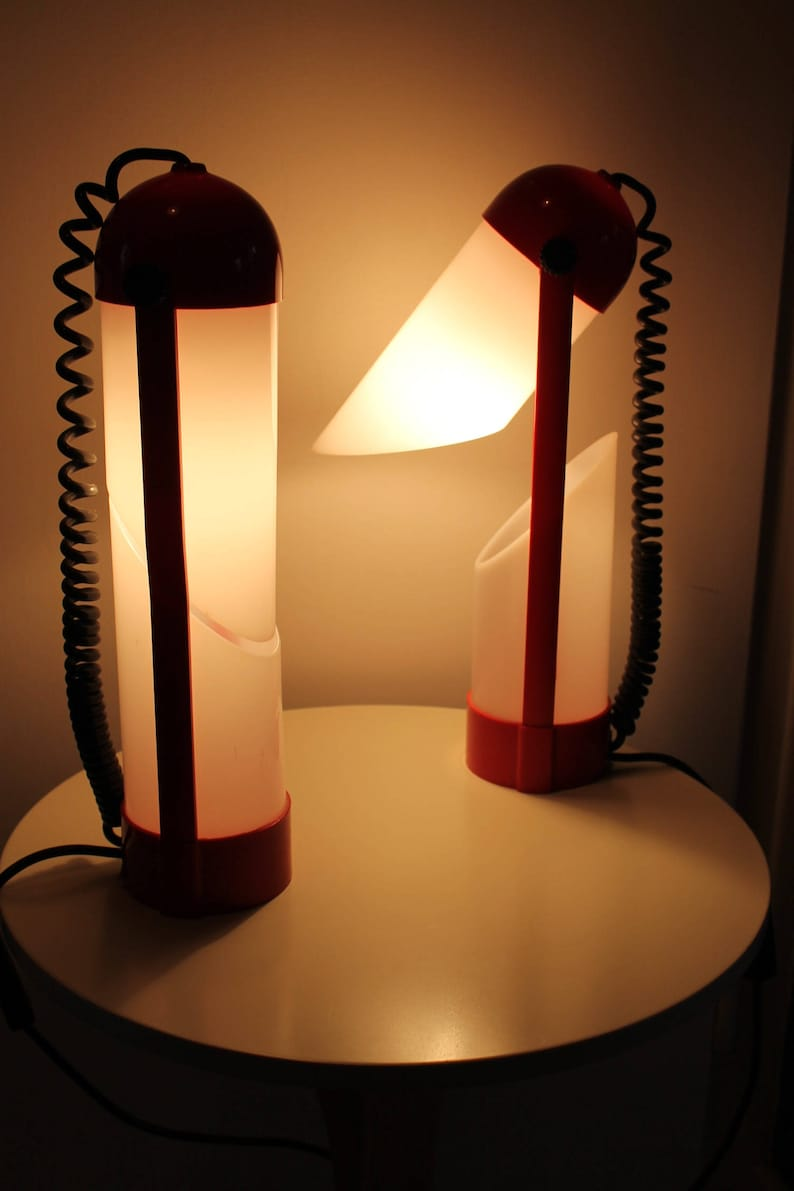 Rare Original 70s Vintage Desk Table Lamp PILL shape Italian Design Space Age Memphis Style Light Fun red and white 80s Space Age Futuristic