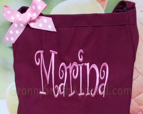 "Apron First name customized embroidered 3 pocket bib apron (24""L x 28""W) Teacher, graduation, Chef, Picnic, BBQ, Wedding"
