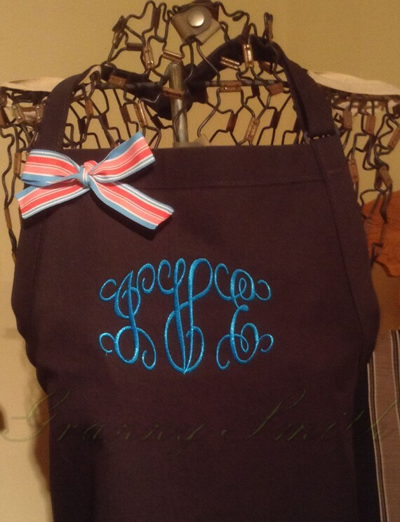 "3 pocket ""Jeweler"" font customized and personalized monogrammed apron (24""L x 28""W) Wedding, House Warming, Bridal Shower, Birthday, Etc"