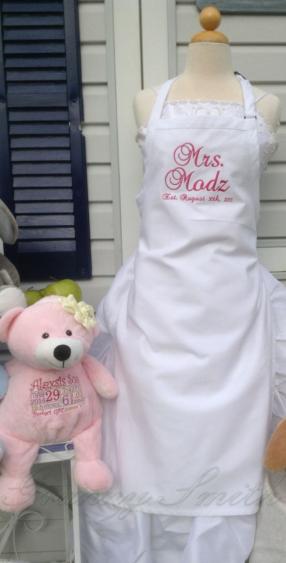 "White Wedding ""Mrs."" Apron with Pretty in Pink, Script and NO Pockets (28""L x 24""W) Bridal Shower Gift, Cake Cutting Ceremony Dress Saver"