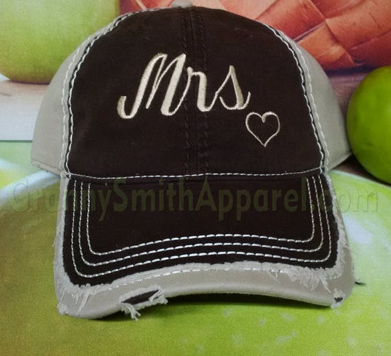 Bride hat / baseball cap personalized in Charcoal-Pink-Charcoal. Bachelorette party ball hats. Personalized bride hat.