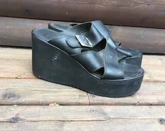 cfd6ab555f06 Size 9 90s Bongo Flatform slides flatforms platform sandals slip on black  1990s grunge leather rubber platforms lightweight club kid 9M 39