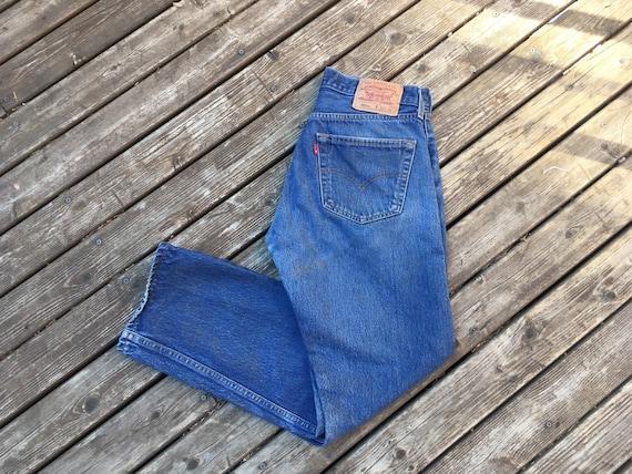 32 Levis 501 jeans
