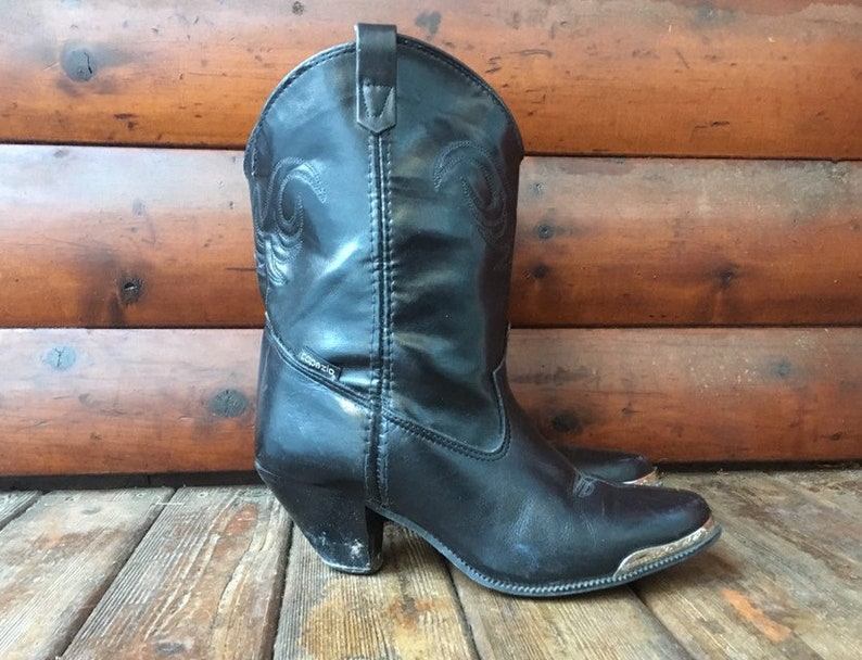 ce91751acbb 7.5 Capezio western ankle boots black pointed toe booties metal toe caps  tip short shorties peewee 7 1/2 M 7.5 37 38 cowboy boot cowgirl 7.5