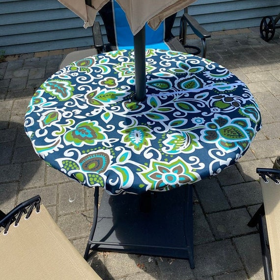 Round Fitted Tablecloth With 2 Umbrella, Round Fitted Table Covers