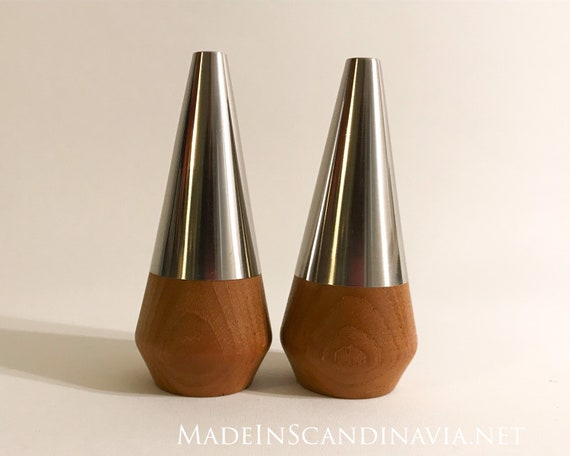 Retro Mid Century salt & pepper shakers set