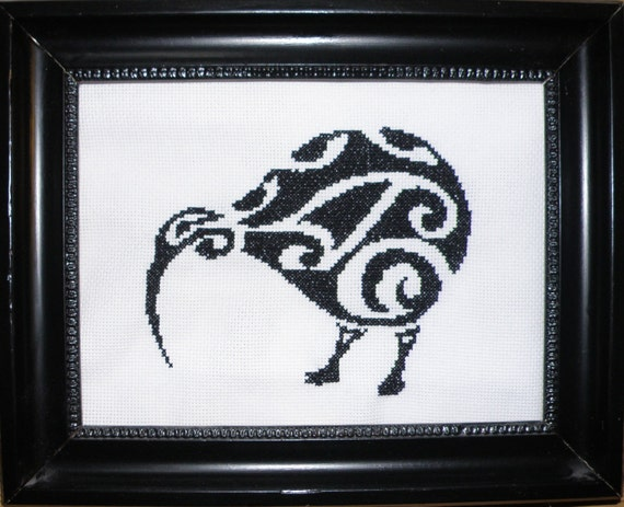 Simple yet elegant cross stich pattern of a beautiful Kiwi bird