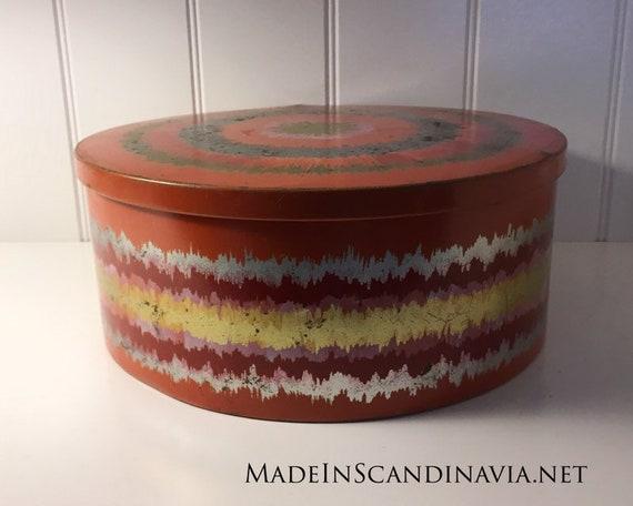 Vintage Anita Wangel IRA Denmark Red Large Round Cake Tin