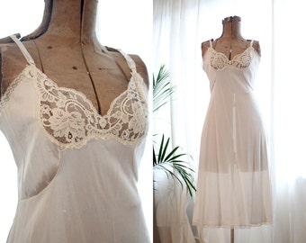 04d0872a48882 Vintage cream bone white classic lace chemise slip classic boudoir