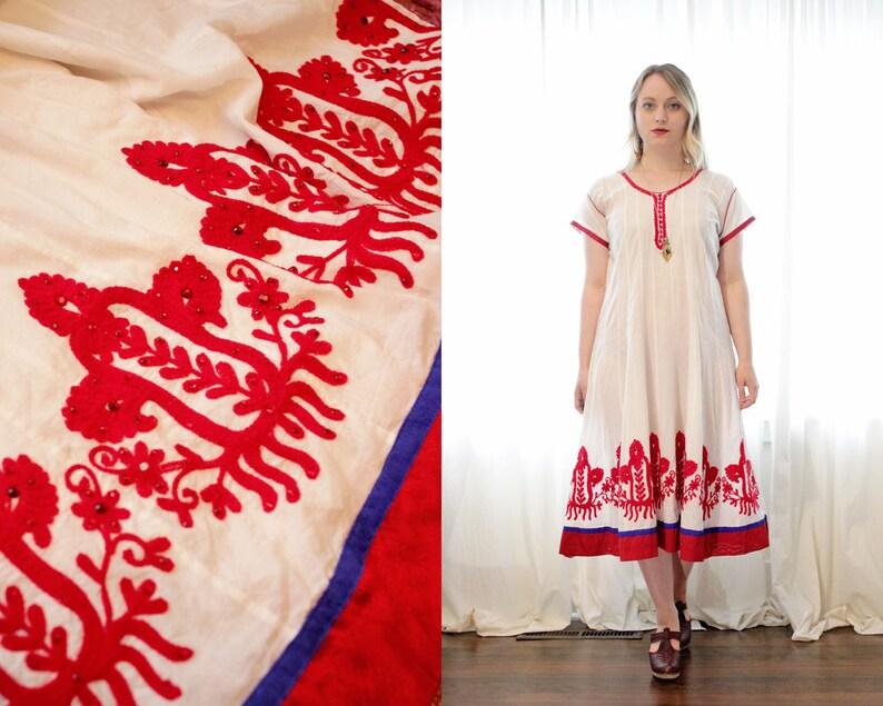 bb5fd5e4f2200 Short en coton brodé Indien blanc manches Anarkali robe rouge