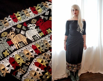 Vintage Tailored black ethnic Peruvian inspired embroidered thai wrap skirt