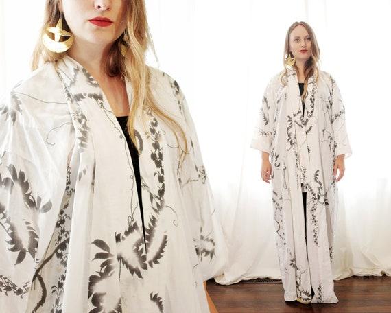 Vintage white cotton Japanese yukata casual kimono