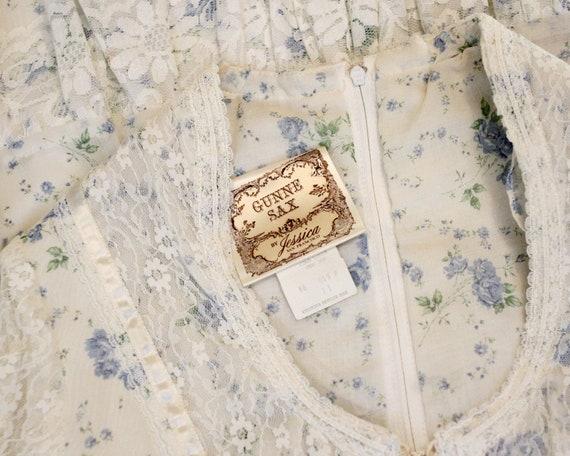 RARE vintage Gunne Sax White blue rose calico cot… - image 6