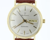 1950s 14K Yellow Gold Jules Jurgensen Wrist Watch with Florentine Finish Day Date Dial Automatic