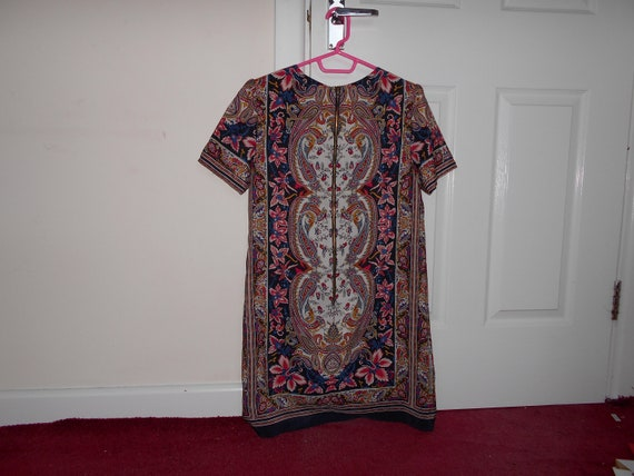 Vintage Print Dress V Neck Zip Up Dress With William Morris Style Print Summer Clothing 100% Polyester, Size 10, Made In Jamaica