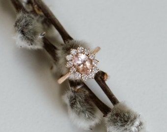 18k red gold ring with morganite and diamonds all around