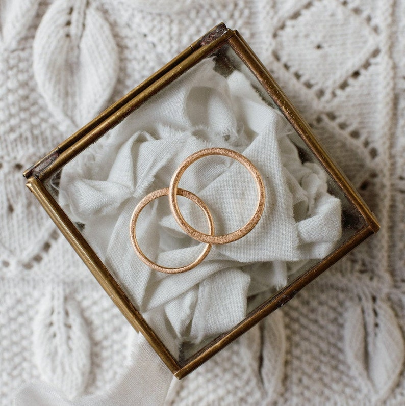 PALOMA wedding bands. A pair of minimal 18k red gold image 0