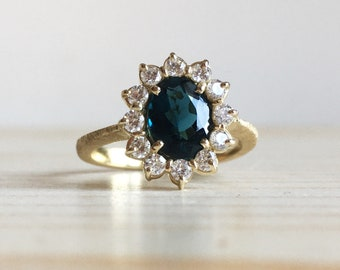 18k green gold ring with indicolite and diamonds all around - Old style engagement ring