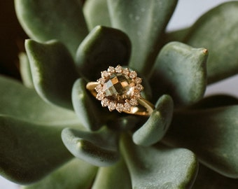 18k red gold ring with Fumé Quartz and diamonds all around - Old style engagement ring