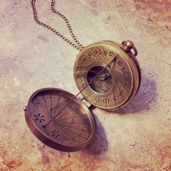 Sundial Compass Pendant Nautical Antique Brass /& Glass Heavy Duty Vintage