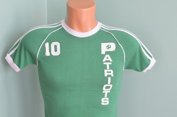 b7db6100d9615 80s T-Shirt Soccer Shirt Zionsville Indiana Youth Soccer Patriots #10 Youth  Large (14-16) Green Tee