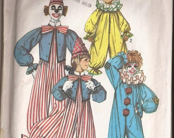 Simplicity 7162 Child Clown Costume pattern Size 6-8 and 10-12 Vintage 1975