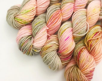 Gossip With The Flowers Mini Skein
