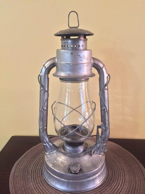 Working 1940s Dietz Lantern With All Original Parts And Glass Etsy