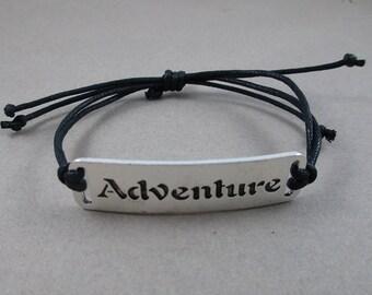 SOLDES - Bracelet à breloques aventure - réglable