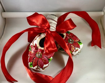 Poinsettia Pointe Shoes